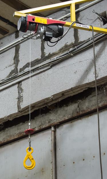 Przykład zamontowania wciągnika elektrycznego linowego na belce